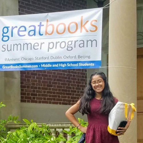 Scholar Reflections: Summer Programs Present Exciting Opportunities